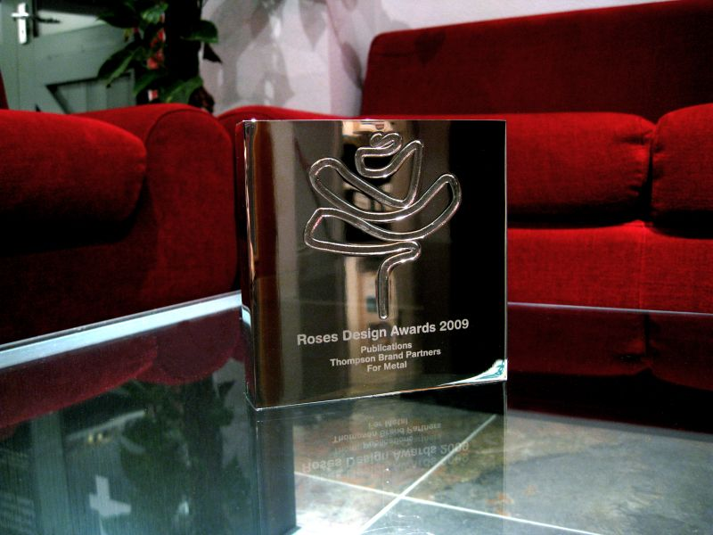 Metal Roses Award Small