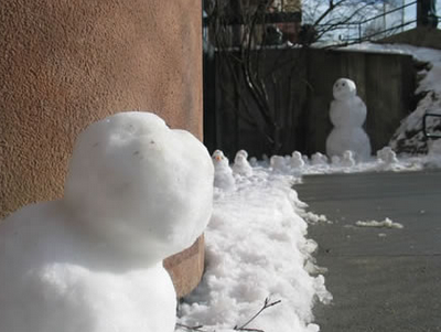 Hiding snowman